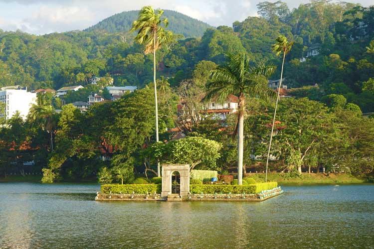 Theva Residency Kandy Sri Lanka – Spectacular Mountain Views