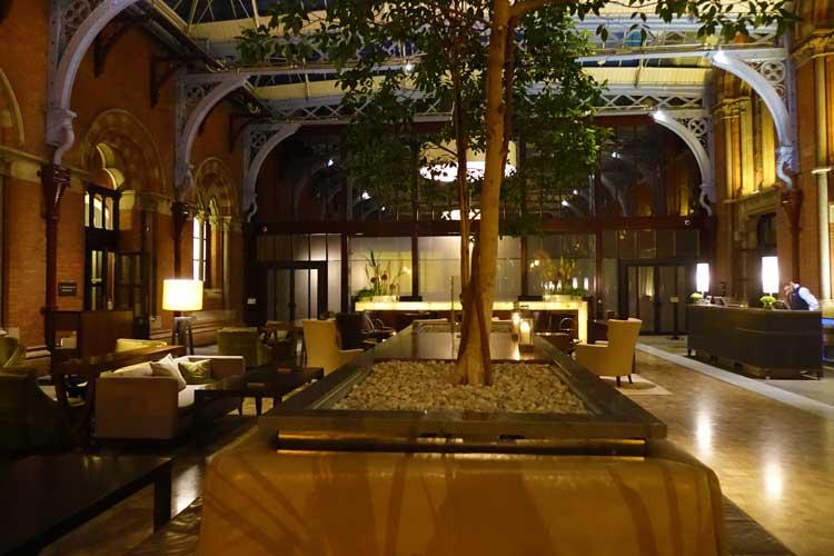 St. Pancras Renaissance Hotel London – Victorian Grandeur