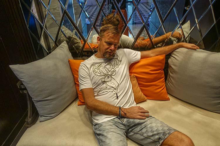 Funky Bunny Bangkok – Bespoke Zip T-Shirts & Long Sleeves