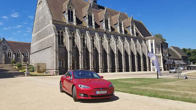 Tesla Model S 100D – The Silent Electric Power House
