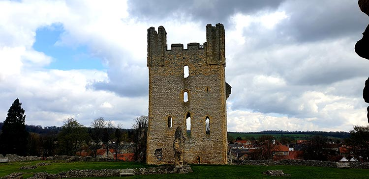 The Black Swan Helmsley North Yorkshire (19) castle
