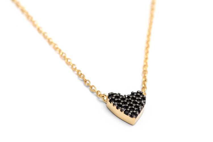 Dainty-Black-Heart-Necklace