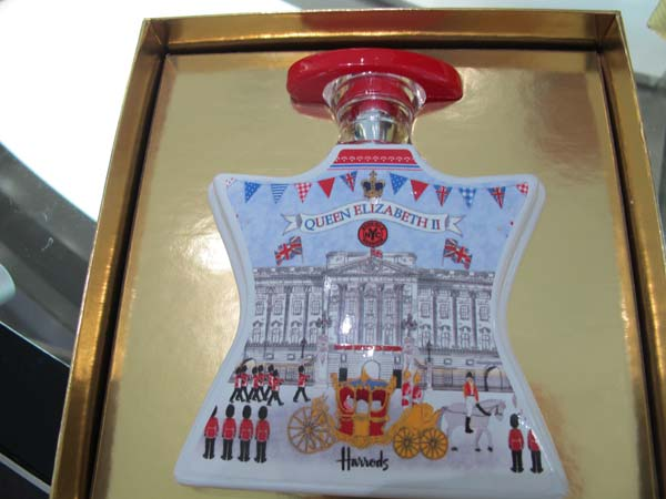 bondno9-parfume,queens-jubilee