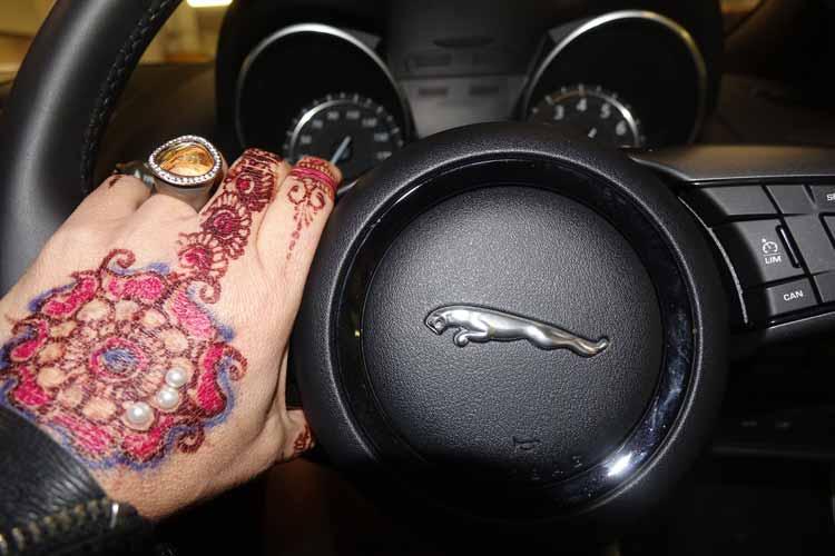 Jaguar F-type convertible Steering wheel